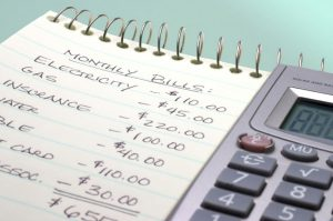 How to budget household expenses effectively?